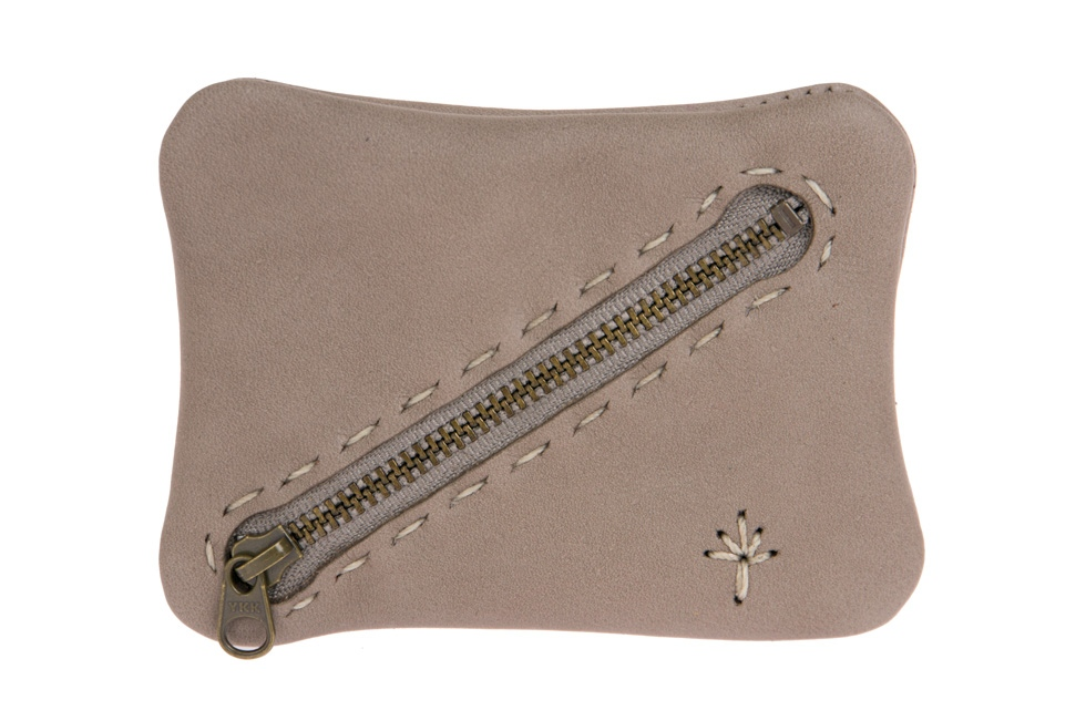 Te. pouchy purse grey
