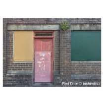 "Greeting Card ""Red Door"" by Toshimistsu"